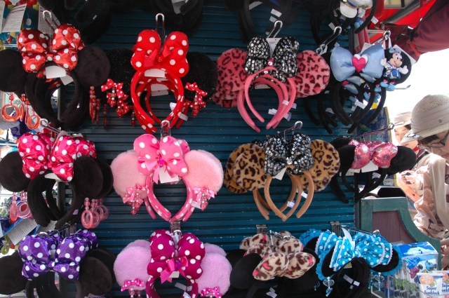 15 Ears come in a variety of colours. Photo © Briar Jensen